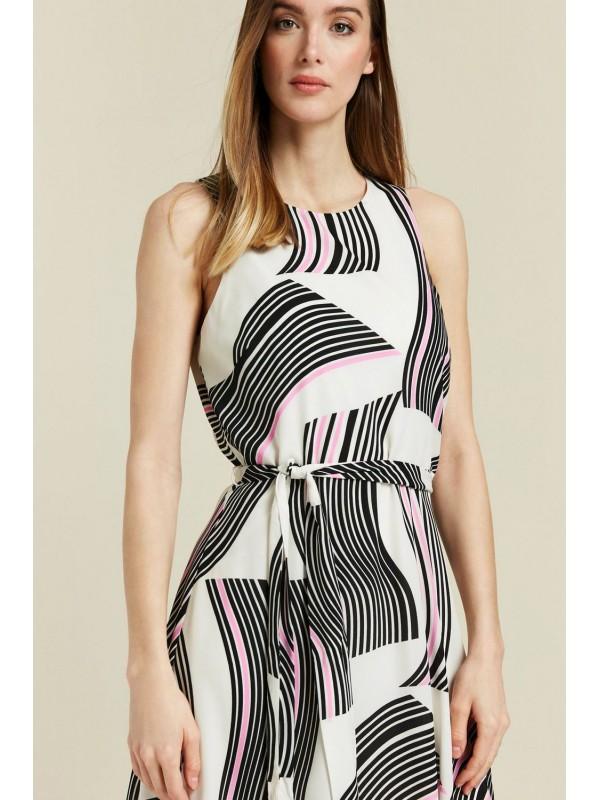 The cream pattern swirls in the skirt